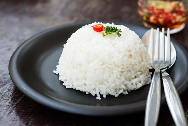 آب برنج و برنج کته برای معده درد مفید است
