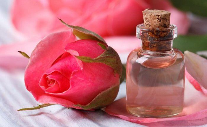 فواید ریختن گلاب در چشم
