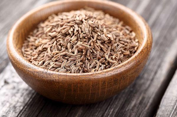دانههای زیره و درمان ناراحتی معده