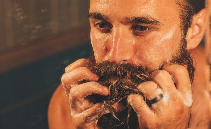 موخوره در ریش مردان