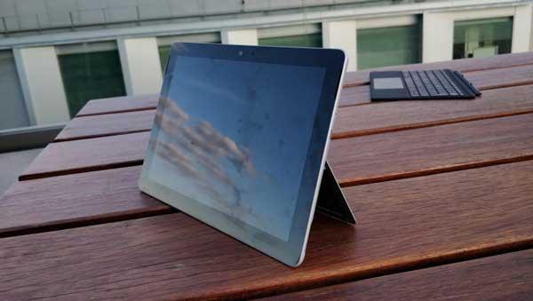 لپ تاپ Surface Go